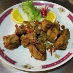Travers de porc grillés sautés au sel et poivre